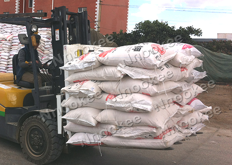 新型化肥搬运推拉器,助力化肥厂家提高效率